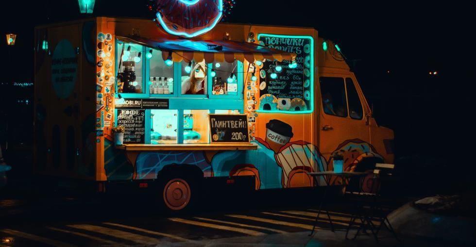 food-truck-illuminated-light-1766686