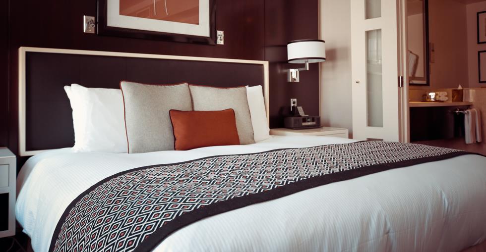 bed-bedroom-cozy-164595