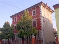 established hostel bar restaurant - 3