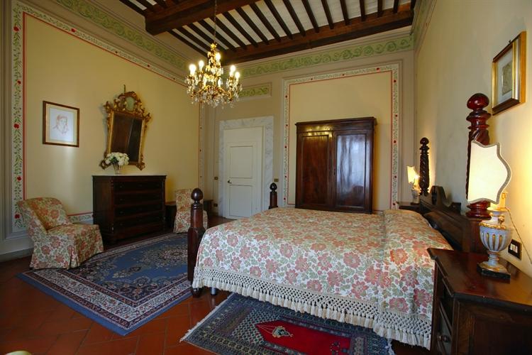 luxury holiday villa cortona - 11