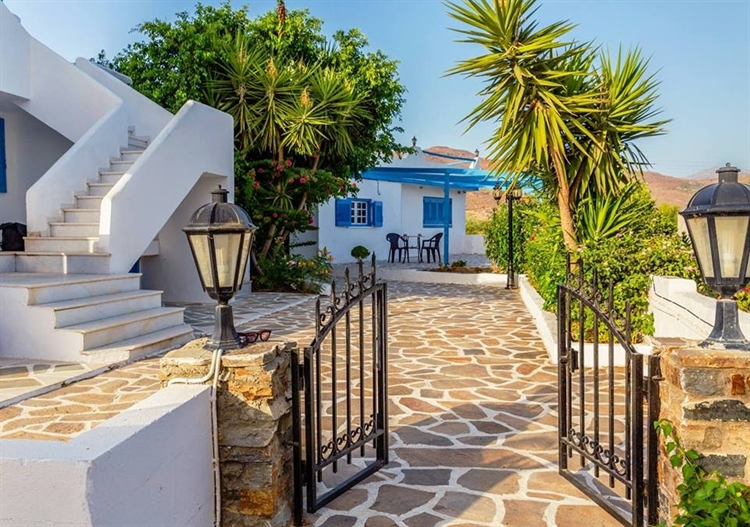 naxos apartment complex holiday - 4