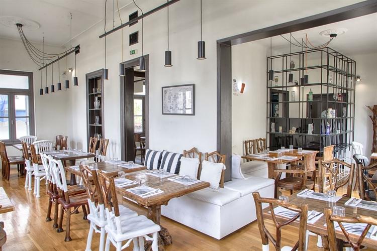 award wining restaurant athens - 12